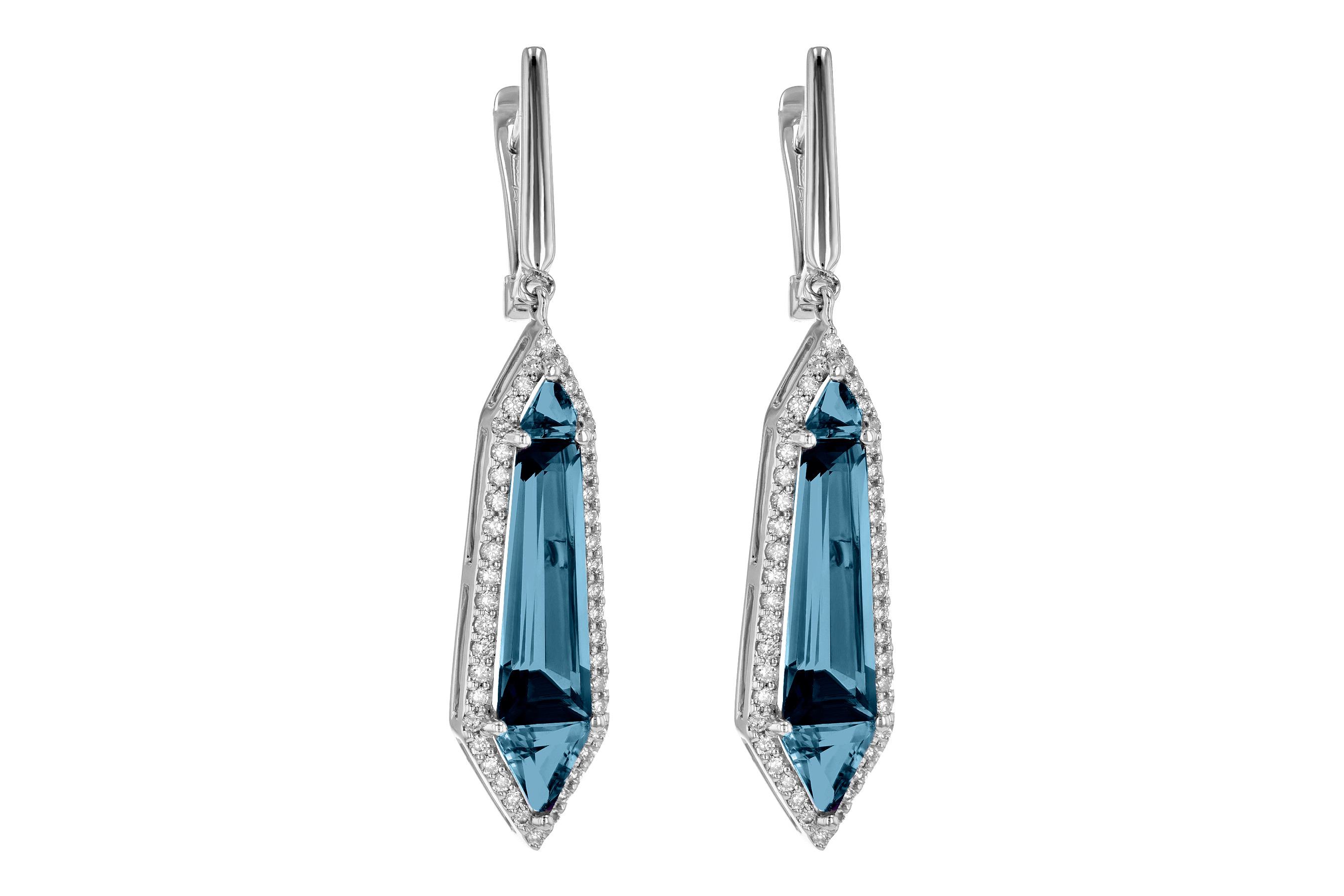 E190-12467: EARR 5.25 LONDON BLUE TOPAZ 5.67 TGW